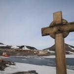 Cross in memory of Vince at McMurdo, Antarctica