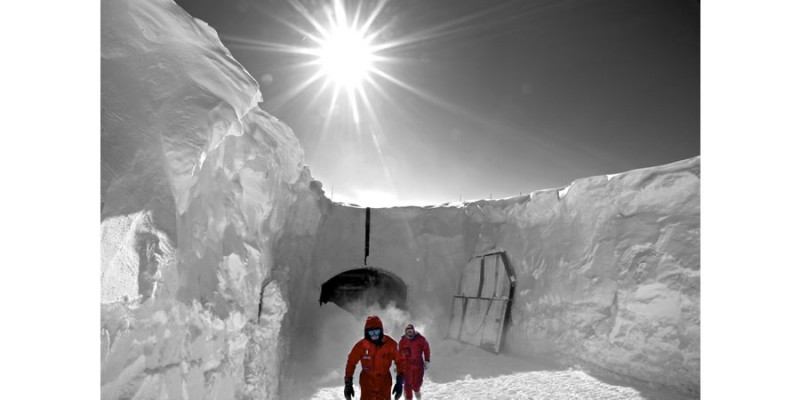 Re-entry (Antarctica) - Alexander Kumar