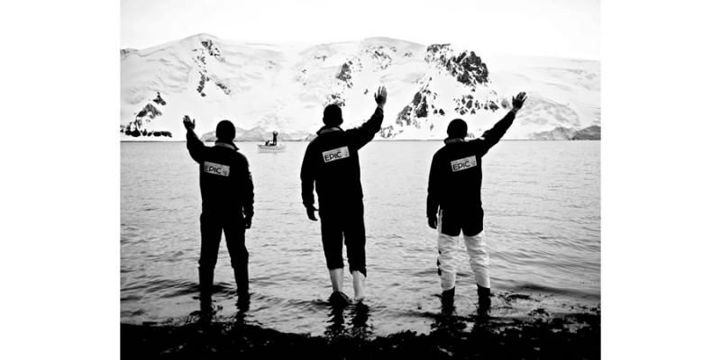 Waving off the Alexandra Shackleton - a Frank Hurley scene, Antarctica - Alexander Kumar